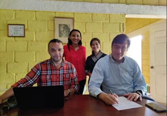 Firma de importante Convenio para apoyo de Jóvenes Migrantes Retornados